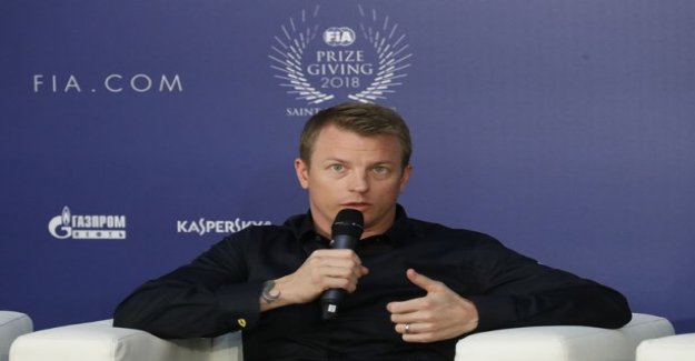 Fan image by nocturnal video reveal - in a stolen Kimi Raikkonen was very cheerful after the awards, too - would anyone like to run?