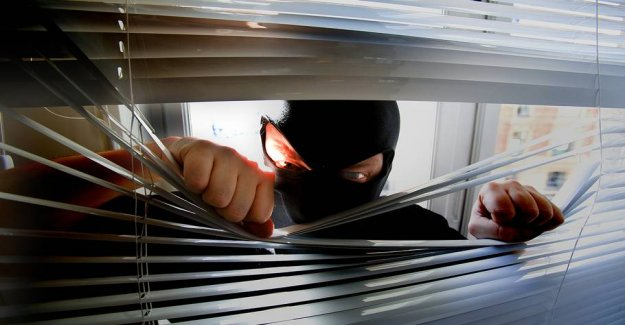 The risk of burglary is 73 times greater in the holiday season: How to secure your home