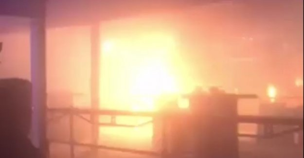 VIDEO: 40 visitors winterbar should tent to escape by burning patio heater