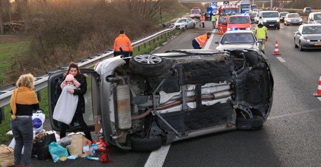 VIDEO. Dutch couple films heavy crash on E17, baby like a miracle unharmed