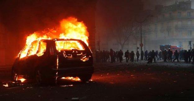Yellow Westprotests: Renewed riots in Paris