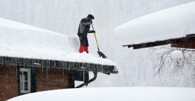 Alpine: high risk due to snow on roofs