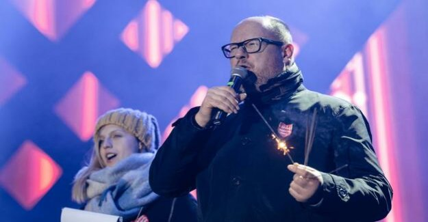 Attack on the open stage : gdańsk mayor in knife attack injured