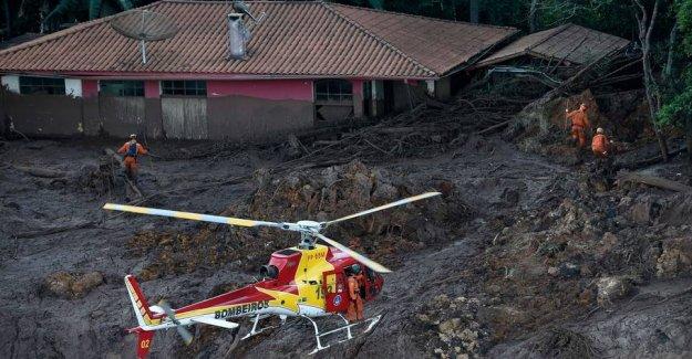 Death toll rises after dæmningskollaps
