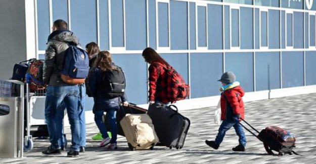 Fewer refugees make use of pre-departure support