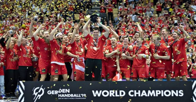 How can you celebrate gulddrengene in Copenhagen on Monday