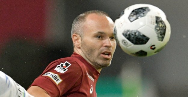 Iniesta apologize for the blackfacephoto