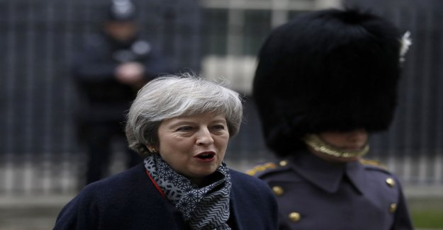 May: No Brexit more likely than hard Brexit
