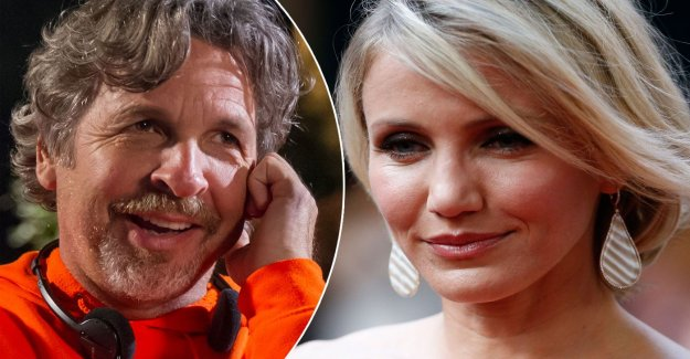 Peter Farrelly showed Cameron Diaz his penis – apologize