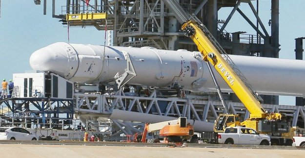 Source: Space X says up hundreds of