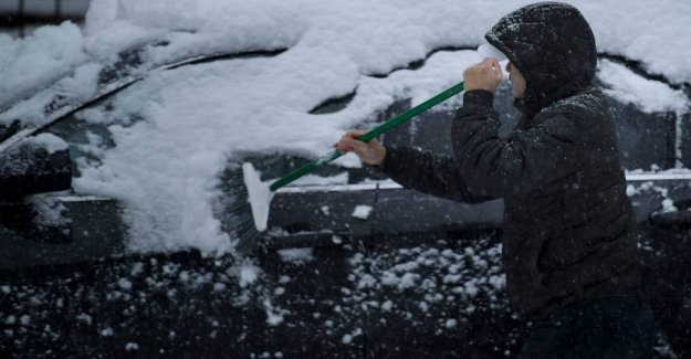Tremendously snowfall in the UNITED states: 1000 flights cancelled