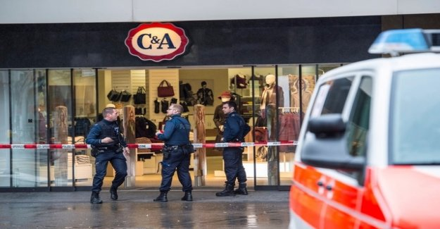30 months in prison for the agents of C&A robber
