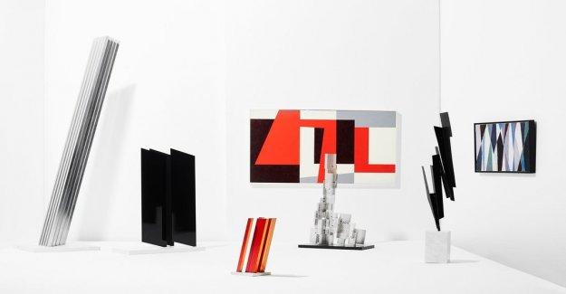 Art review: Lars Erik Falk's diagonal hovering in the room
