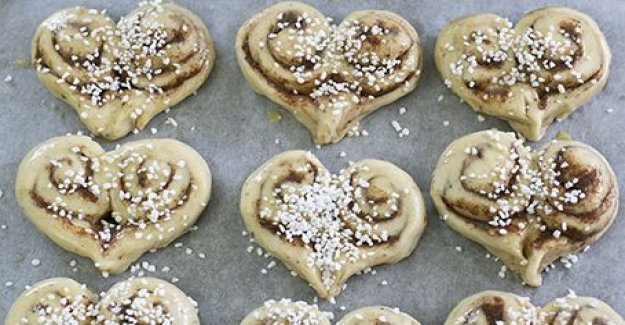 Bake heart-shaped buns for your sweetheart