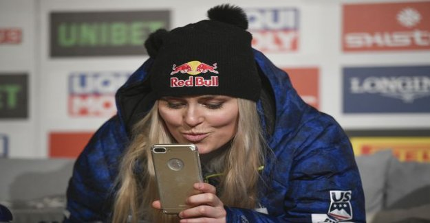Lindsey Vonn an amazing million followers - release the wildly image racing sister a shower in the gluteal area: I can't wait to see what color they change tomorrow