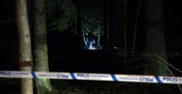Teenage boy found dead in wooded area in Märsta