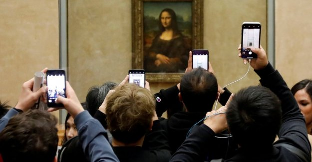 The Mona Lisa seeing no other tourists? That can for 30,000 euros