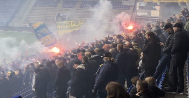 Brøndby-fans with the sensational tribute