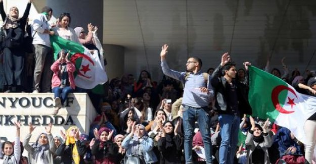 Demonstrations in Algeria: One day, he needs to go anyway