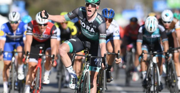 Fast Bennett book second triumph in Paris-Nice, Kwiatkowski retains daily for koninginnenetappe jersey