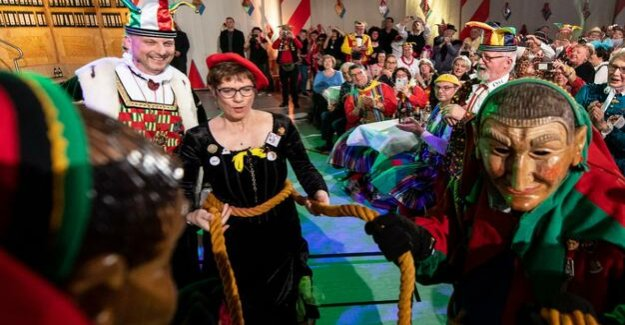 Kramp-Karrenbauer on inter-sexual : The Dignity of the people in the carnival