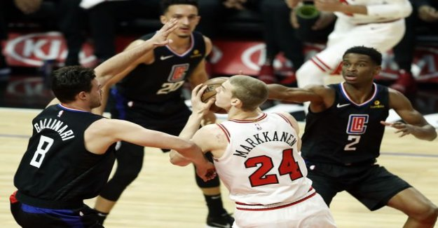 Lauri Marks-wet night – the Bulls bend the clippers in reading