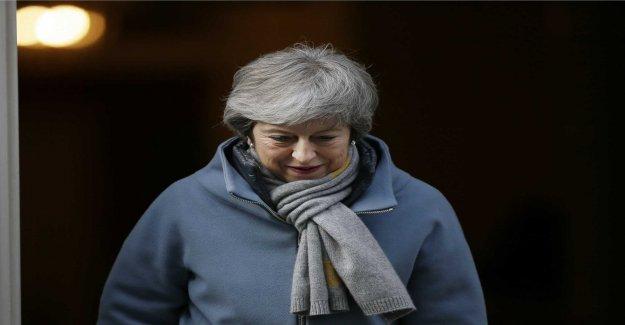May warns of long delay of brexit