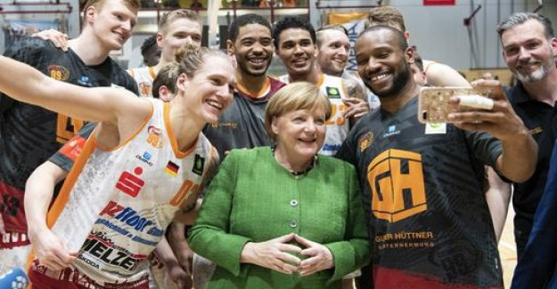 Merkel makes a surprise visit to Chemnitz