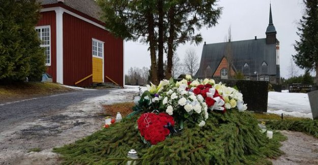 Olli Lindholm got the last resting place of the family from the grave