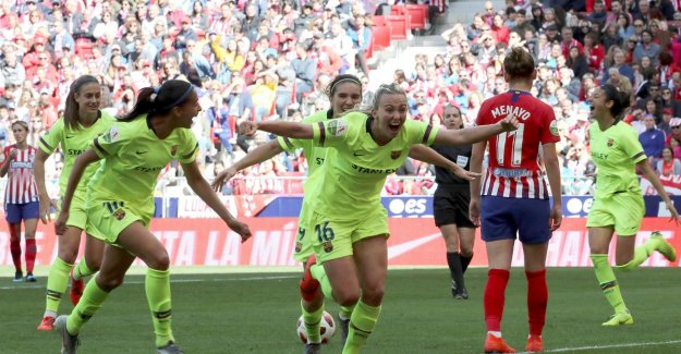 Record crowds attend a ladies tournament between Atlético and Barcelona