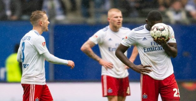 Second League : HSV loses after leading 2:0
