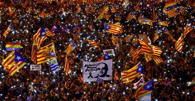 Tens of thousands of Catalans demonstrate in Madrid