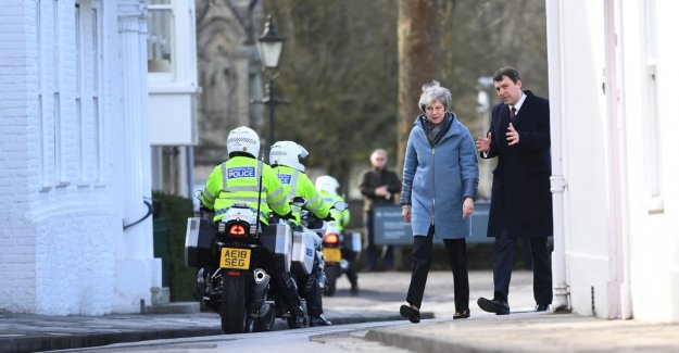 Theresa May will visit Salisbury year after zenuwgasaanval
