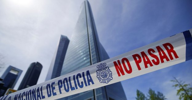 False alarm for a bomb in a skyscraper in Madrid