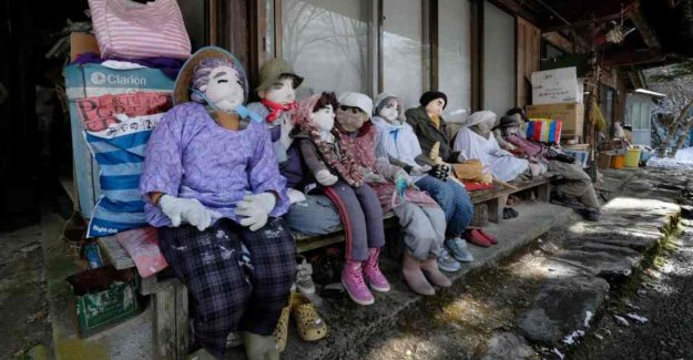 In this deflated Japanese village live more dolls than people