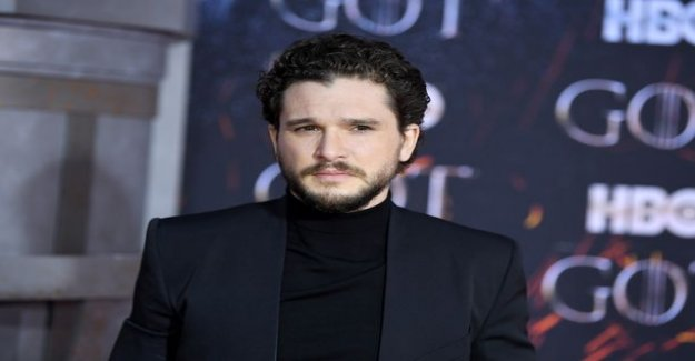 It's Jon snow actor had to lose your testicles to a Game of Thrones photo shoot