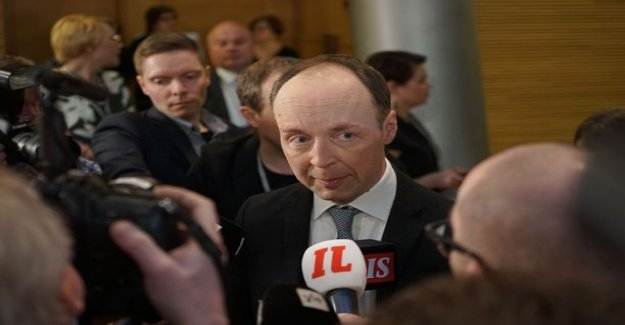 Jussi Halla-aho from the cool and harsh receipt blue - this comment summed up the embarrassing collapse of