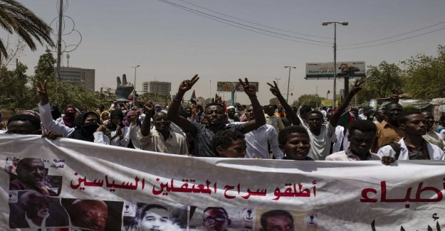 New talks on transfer of power in the Sudan