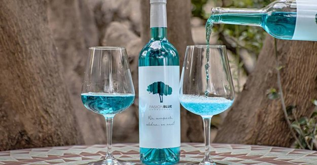 New trend: Now we must drink blue wine