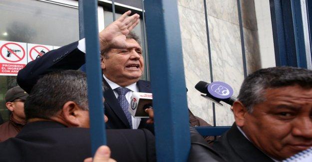 Peru's Ex-President kills himself before arrest