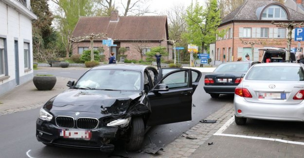 Pursuit of more than 10 kilometres ends with crash in Buggenhout, as if by miracle touches no one injured