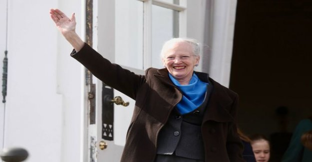 The queen of denmark Margaret, 79, paint on the video easter eggs - artists the magnificent chicken