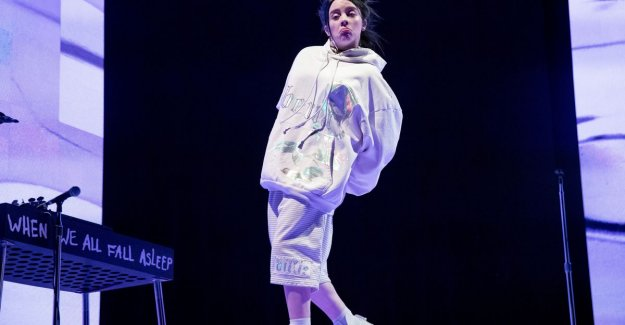 Young Billie Eilish (17) steals the show at Coachella: She had everyone in her pocket