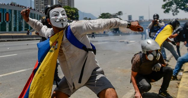 233 people arrested during demonstrations against Venezuelan president Maduro, at least five dead