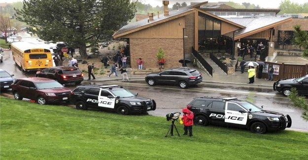 A student is dead after skolskjutning in the united states
