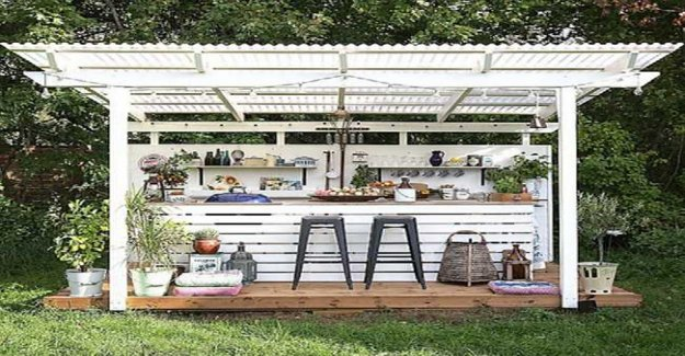 Build an outdoor kitchen – enjoy cooking in the green