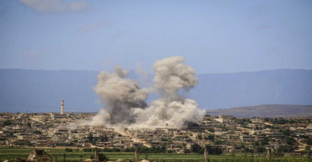 Continued air strikes against the syrian jihadistfäste