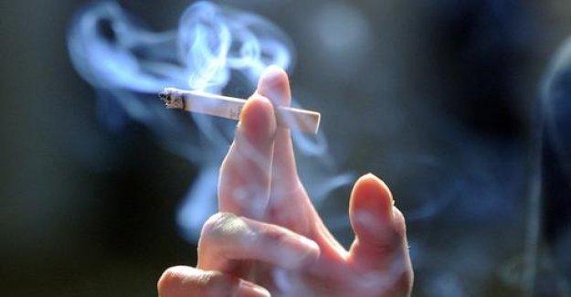In Paris Smoking ban in 52 Park soon