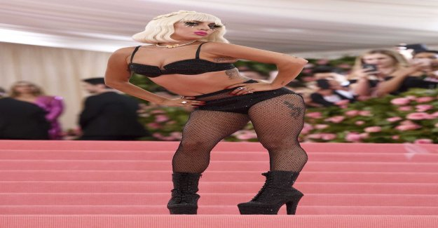 Lady Gaga's superentré – changed costume four times in the year modegala