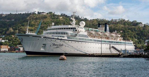 New quarantine for scientologfartyg after mässlingsfall